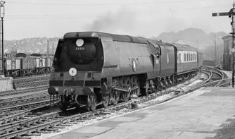 35011 at Salisbury in 1957 (c) Mike Morant collection