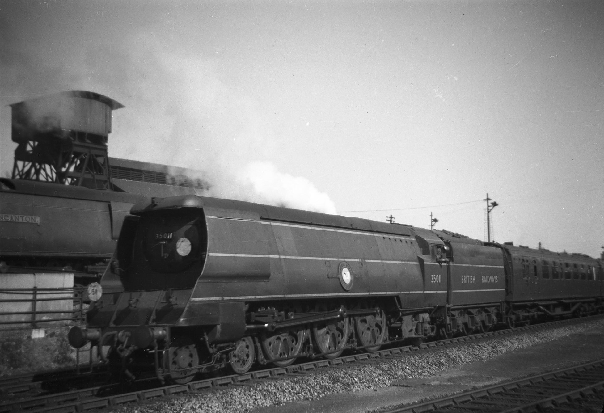 35011 at Bournemouth in 1950 (c) Richard Dixon